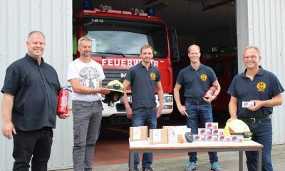 Foto zur Meldung: 2000 Euro für die Feuerwehr