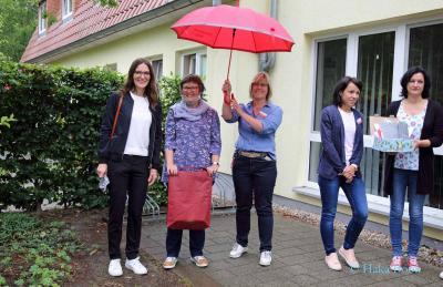 v.l. Nadine Roeseler-Shalala, Susanne Hoch, Katja Wendt, stelv. PDL Christiane Wiegand, PDL Juliane Schößler; Foto: © Haka Book