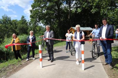 Foto zu Meldung: Einweihung erster Bauabschnitt Zaucheradweg