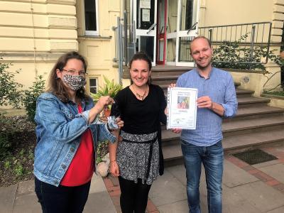 Foto zur Meldung: Auszeichnung Blauer Planet für Klimaschutz in der Villa