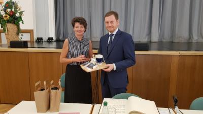 Vorschaubild zur Meldung: Ministerpräsident Michael Kretzschmer in Rodewisch zu Gast