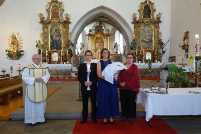 Bild der Meldung: Leo Hornauer durch die Taufe in die Kirche aufgenommen