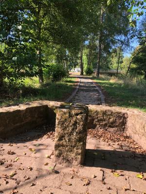 """Ein ehemaliger Park entsteht wieder neu – """"Gänsräse"""" im Ortsteil Kleinlüder Dank an die Natur- und Heimatfreunde Kleinlüder"""