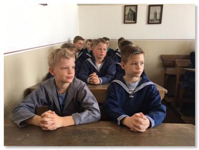 Foto zur Meldung: Besuch der vierten Klassen im Schulmuseum