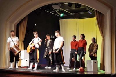 Foto zur Meldung: Theater in der Riesschule