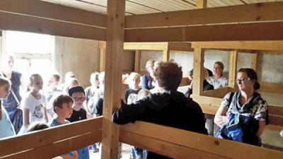 Foto zur Meldung: Besuch in der Gedenkstätte Sandbostel