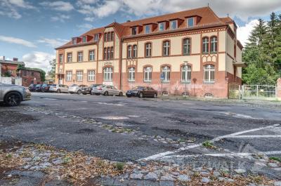 Der Postplatz soll bis zum Jahresende komplett umgestaltet werden. Foto: Lars Schladitz