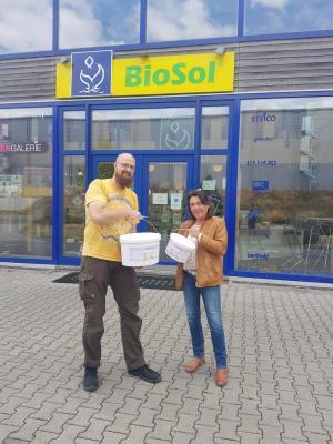 Sebastian Wahl von der BioSol OHG mit Ulrike Ring-Scheel