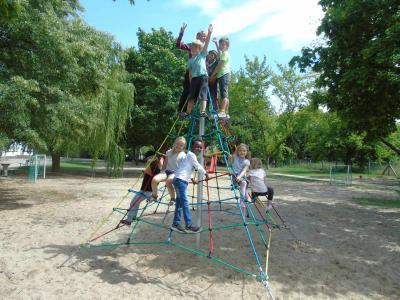 Foto zur Meldung: Neue Kletterspinne für die Hort- Kinder