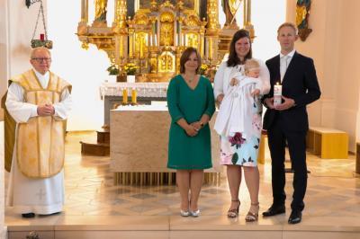 Foto zur Meldung: Taufe ist Aufnahme in die Kirchengemeinde