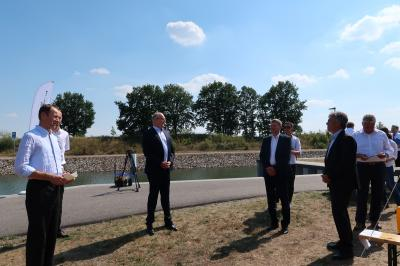 Foto zur Meldung: 50.000 Schleusungen und ein neuer Bootsanleger: Woidke sieht Koschener Kanal als gutes Beispiel für die erfolgreiche Entwicklung des Lausitzer Seenlandes