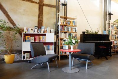 Stadt Perleberg   Leseecke in der BONA Stadtbibliothek