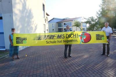 Bild der Meldung: Oberster Brandenburger Verkehrswächter zu Besuch in der Lenné Schule