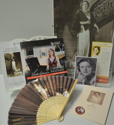 Stadt Perleberg | Diverse Lotte Lehmann Produkte sind in der Stadtinformation erhältlich.