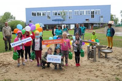 Foto zu Meldung: Wasserspielplatz auf dem Schulcampus eingeweiht
