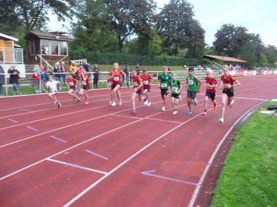Start 2000 m (Foto: Behrens)