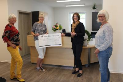 """Foto zur Meldung: """"Schickeria"""" spendet 1000 Euro für Sozialstation"""