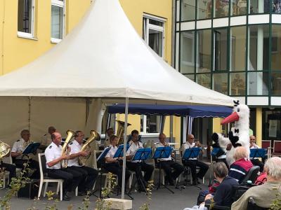 Vorschaubild zur Meldung: Landespolizeiorchester gastiert im Altenheim