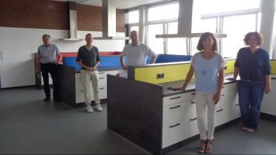 Vorschaubild zur Meldung: Sekundarschule in Kirchhundem freut sich über neue Lehrküche
