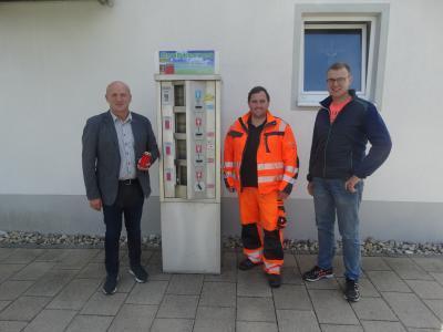Bild der Meldung: Kerzenautomat am Friedhof Wallersdorf