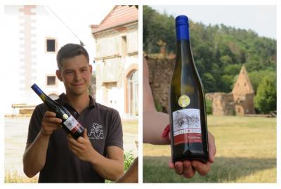 Weinspende überreicht