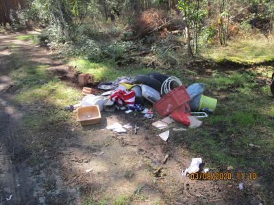 Foto zur Meldung: Illegale Müllablagerung in Damsdorf