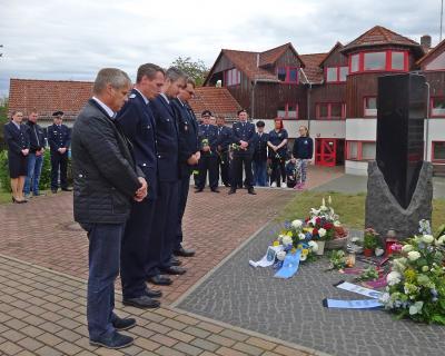 Foto zu Meldung: Gedenken an die toten Kameraden