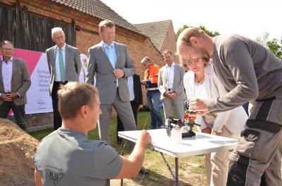 Foto zur Meldung: Start für den Glasfaser-Ausbau im Landkreis Oberspreewald-Lausitz