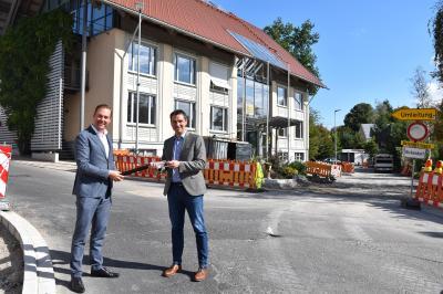 Bundestagsabgeordneter Felix Schreiner besucht Bürgermeister Tobias Gantert vor Ort