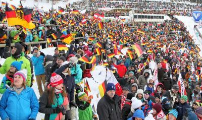 Ob das Weltcup-Skispringen auf der Hochfirstschanze von Titisee-Neustadt Anfang Januar 2021 vor Zuschauern stattfinden kann, bleibt offen - das Kultusministerium veröffentlichte die neue Corona-Verordnung Sport, die zum 14. September 2020 in Kraft tritt - Foto: Joachim Hahne