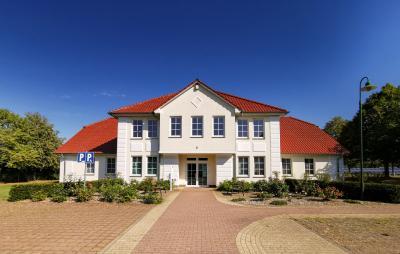 Mehrzweckhaus mit großem Grundstück in Domsühl zu verkaufen