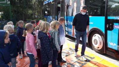Zu Besuch in der Busschule