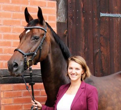 Dr. Carolin Pfanne; Foto: © Stiftung Haupt- u. Landgestüt Neustadt (Dosse)