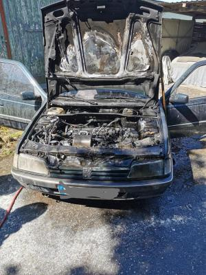 Bild der Meldung: Einsatz # 12/2020 - Feuer Mittel Oering - brennt PKW im Hinterhof