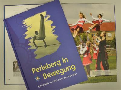 Foto zur Meldung: Neue Öffnungszeiten und sportliche Lektüre