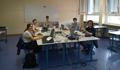 Die Teilnehmer des Mathematik-Turniers von links nach rechts: Hannah Spreitzer, Maximilian Fetz (beide MSS 12), Marbod Schröter, Ben Junak und Maximilian Mades (alle MSS 13)