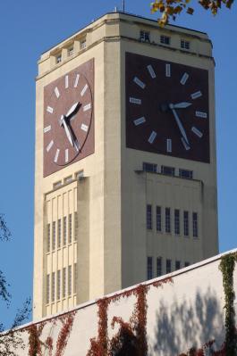 Vorschaubild zur Meldung: SINGER-Uhrenturm mit erweiterten Öffnungszeiten