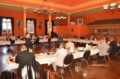Foto zur Meldung: Chefs der Kommunen und Landrat zu Gast im Schützenhaus