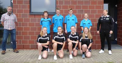 Jugendförderverein stattet junge Schiedsrichter aus