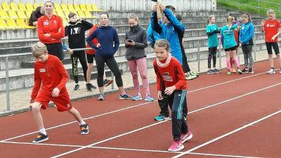 Foto zur Meldung: Sportabzeichen lockte auf die Recknitzkampfbahn