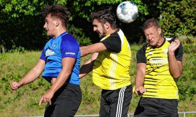 Bild der Meldung: 1. Mannschaft mit Niederlage im Derby nach unglücklichem Spielverlauf