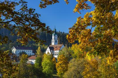 Bayerisch Eisenstein_Ortsansicht Kirche_Bavarian Heart Photography