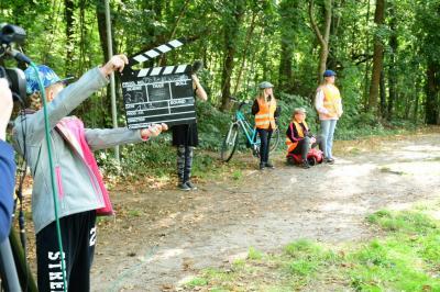 """Vorschaubild zur Meldung: Lebenskunde-Filmprojekt: """"Die drei Klimadetektivinnen"""""""