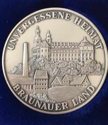 Foto zur Meldung: Braunauer ehren die Heimatpflegerin der Sudetendeutschen