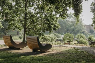 """Vorschaubild zur Meldung: Bepflanzung auf dem """"Alten Friedhof"""" abgeschlossen"""