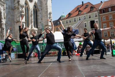 Vorschaubild zur Meldung: Neue Latein‐Formation für Hobbytänzer beim Tanzclub Blau‐Gold Regensburg e.V.