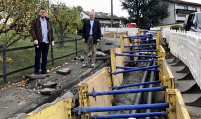 von links: Aufsichtsratsvorsitzender Oliver Peetz, Geschäftsführer Andreas Weiher