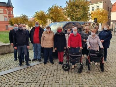 Vorschaubild zur Meldung: Neues Fahrzeug für den Behindertenverband Dahme übergeben