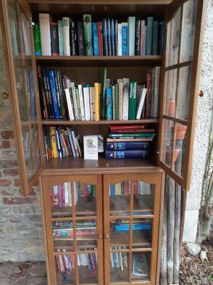 Freiluft-Bücherschrank