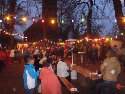 Viele Besucher interessierten sich für den Weihnachtsmarkt